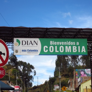 Welcome to Colombia sign
