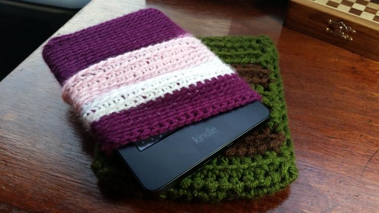 Crocheted Kindle sleeves